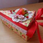décorer les boîtes sous la forme d'un gâteau