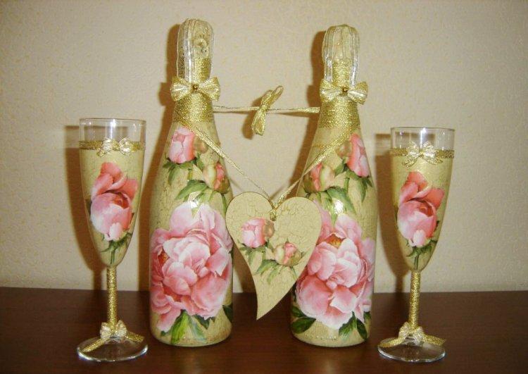 décorer des bouteilles de champagne pour un mariage de découpage
