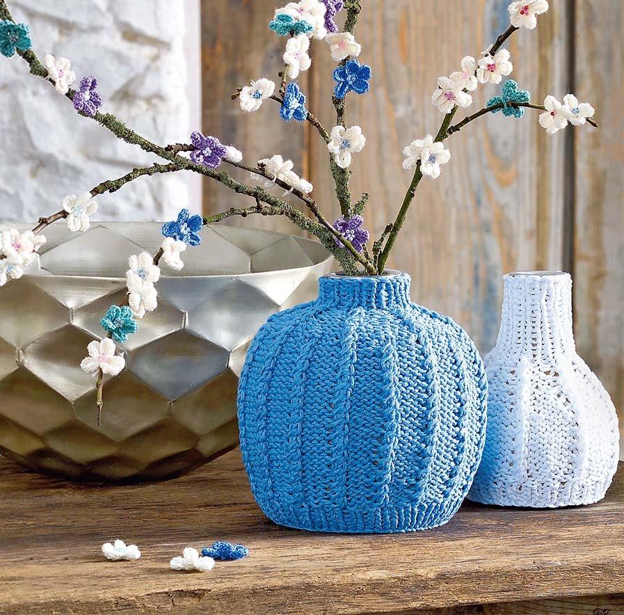 décor de vase tricoté