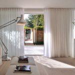 rideaux sur le minimalisme de ruban de rideau