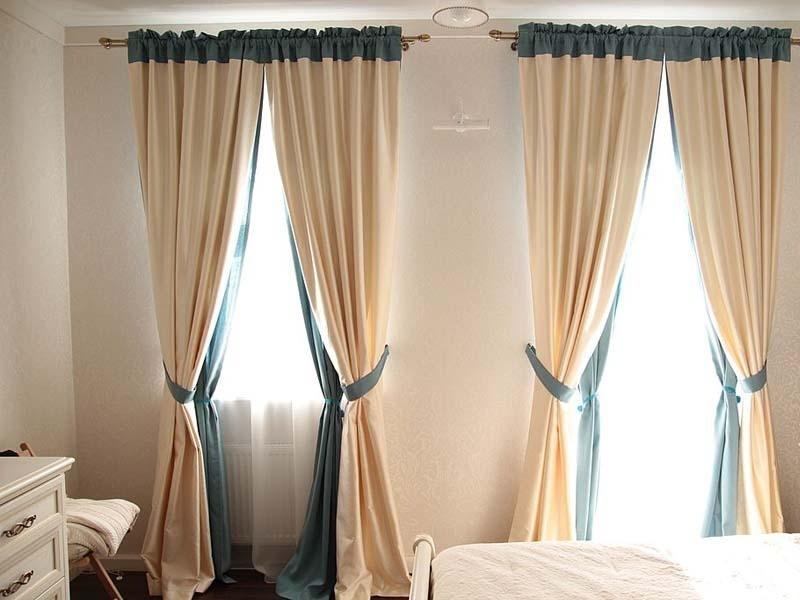 rideaux sur le cordon