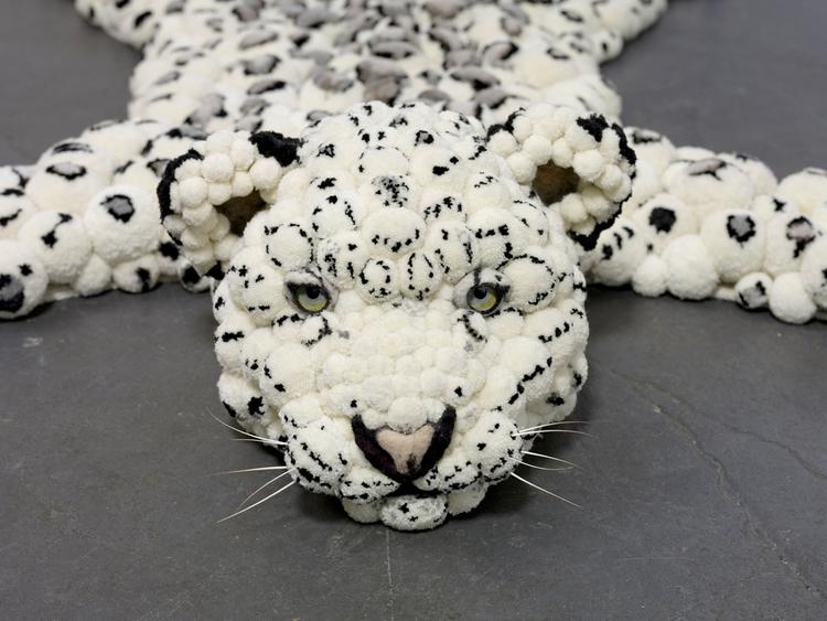tapis en peau de léopard