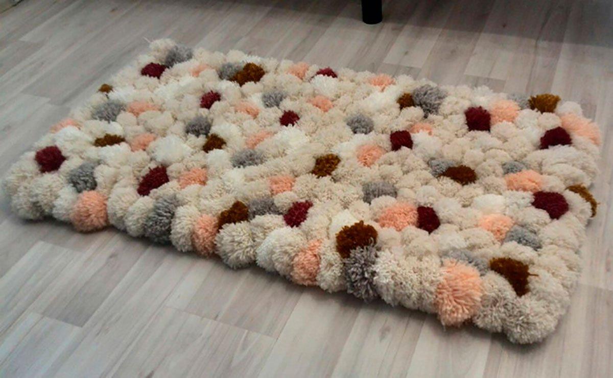 tapis de pompons photo design