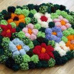 tapis de pompons décoration
