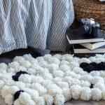 tapis fait de pompons faites le vous même