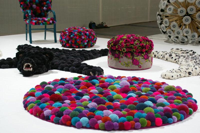 tapis fait de pompons faites-le vous même photo design