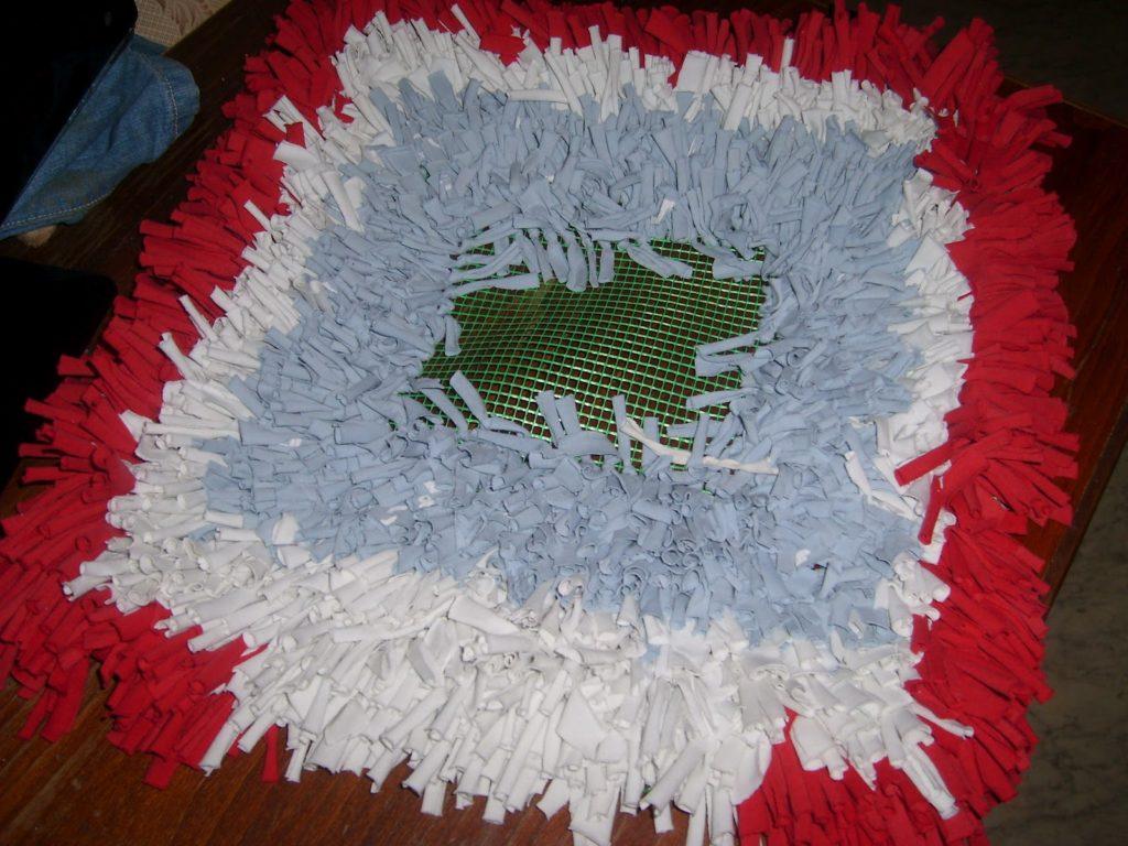 fais-le toi-même tapis sur une grille