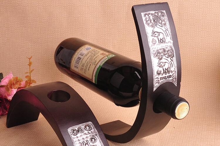 stand pour des bouteilles de vin design photos