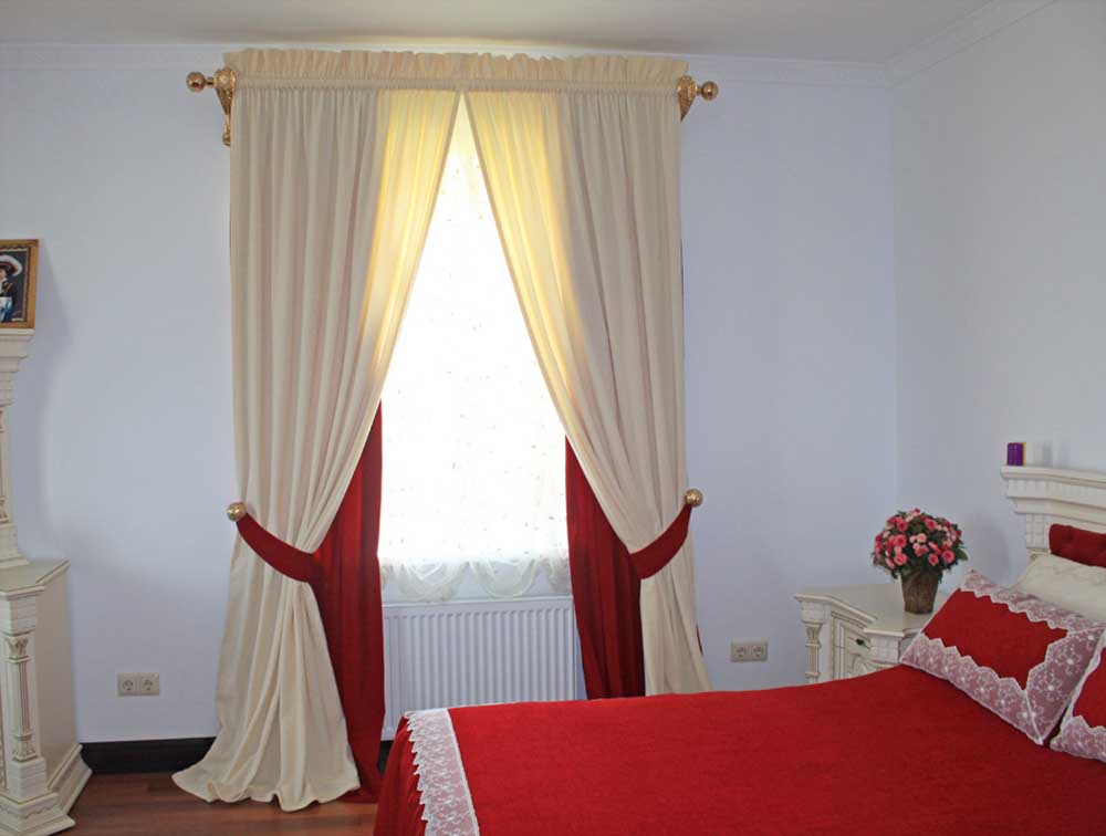 rideaux sur le décor photo cordon