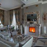 rideaux sur le ruban de rideau dans le style classique
