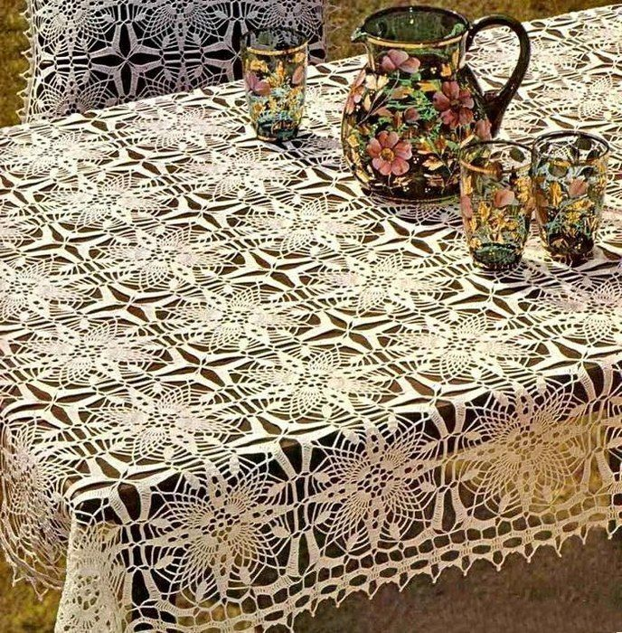 décor de nappe au crochet