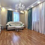 idées de photo de plafond suspendu et de rideaux