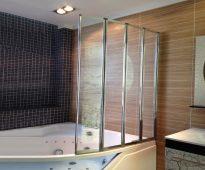 rideaux d'angle de salle de bain